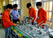 Difficulties and challenges in implementing Vietnam's rapid and sustainable development goals
