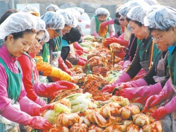 Vai trò của nhà nước và sự tham gia của người dântrong phong trào Làng mới ở Hàn Quốc