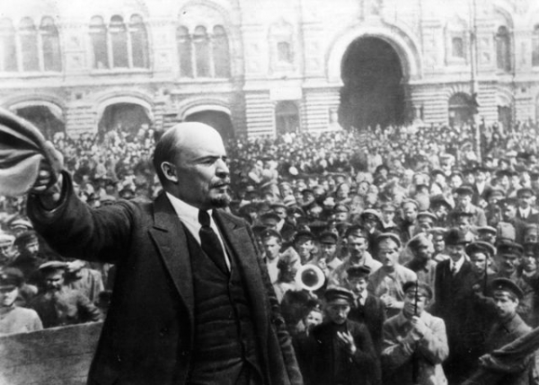 Cách mạng tháng Mười Nga và Cách mạng tháng Tám ở Việt Nam