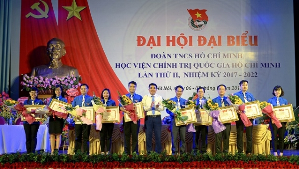 Thanh niên Học viện Chính trị quốc gia Hồ Chí Minh đấu tranh chống các quan điểm sai trái, xuyên tạc Chủ tịch Hồ Chí Minh