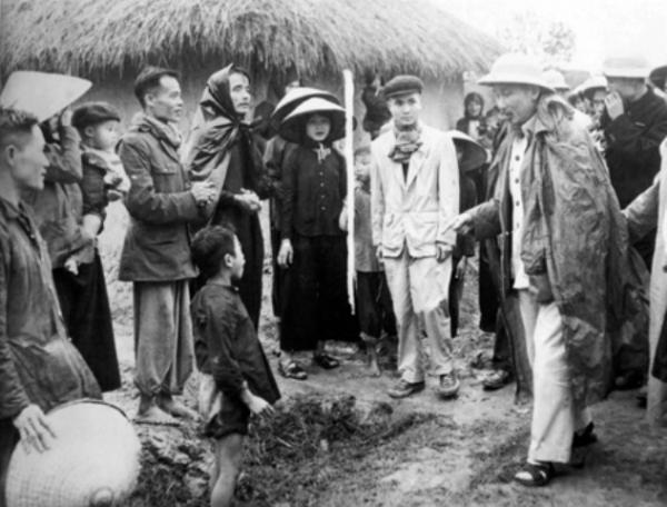 Thực hiện chỉ dẫn của Hồ Chí Minh về dân vận chính quyền