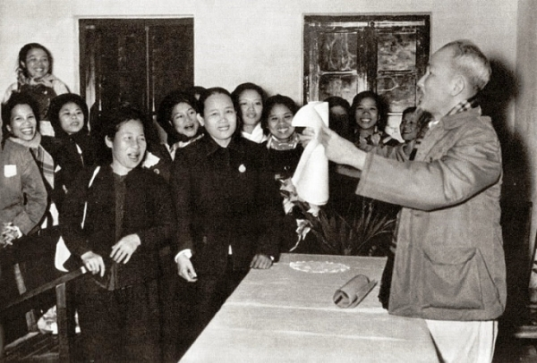 Học tập Hồ Chí Minh thu hút, trọng dụng nhân tài