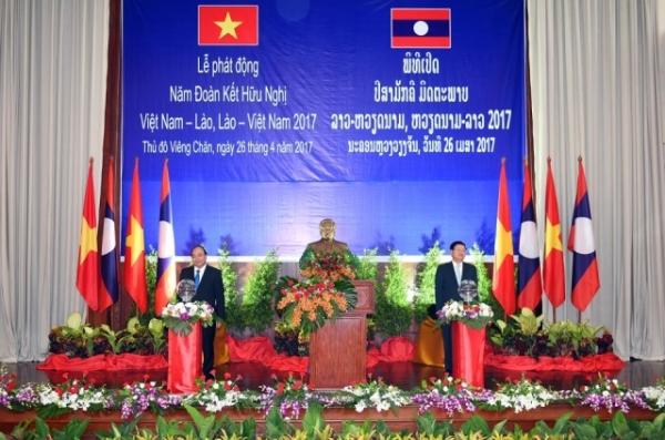 Phát triển quan hệ hữu nghị đặc biệt Việt Nam - Lào trong tình hình mới
