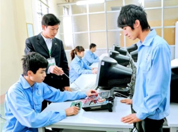 Một số giải pháp nâng cao hiệu quả tổ chức và quản lý giáo dục, đào tạo