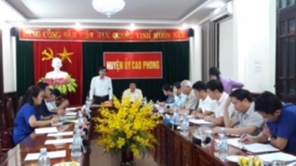 Đoàn cán bộ Tạp chí Lý luận chính trị nghiên cứu thực tế tại tỉnh Hòa Bình