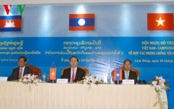 Quan hệ hợp tác Việt Nam - Lào - Campuchia trên lĩnh vực chính trị - ngoại giao, an ninh - quốc phòng