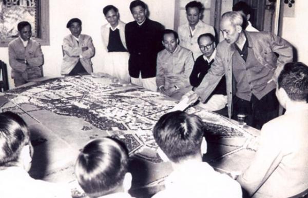 Học tập phong cách tư duy Hồ Chí Minh
