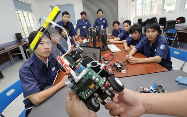 Các cơ sở giáo dục đào tạo ở Việt Nam trước thách thức của cuộc Cách mạng công nghiệp 4.0