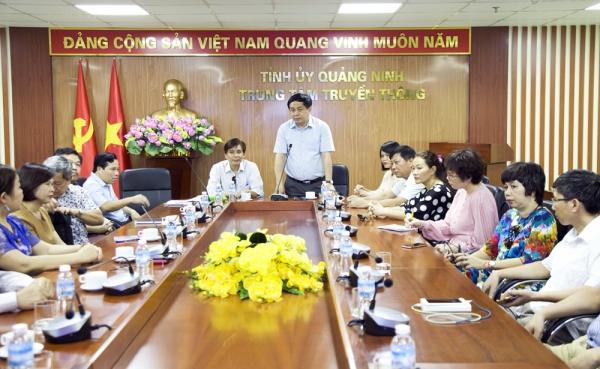 Lớp tập huấn nghiệp vụ báo chí, xuất bản Học viện Chính trị quốc gia Hồ Chí Minh tìm hiểu mô hình hoạt động của Trung tâm Truyền thông tỉnh Quảng Ninh
