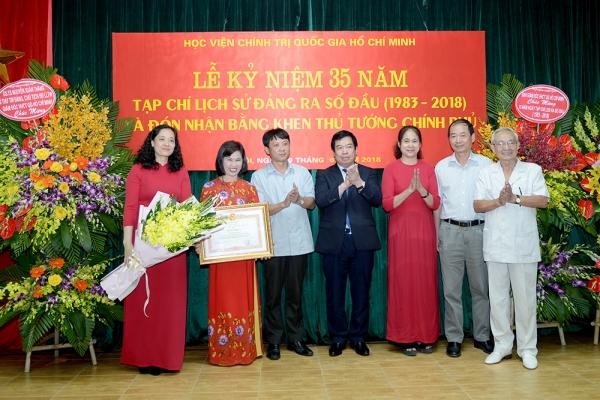 Tạp chí Lịch sử Đảng kỷ niệm 35 năm ra số đầu (1983-2018) và đón nhận Bằng khen của Thủ tướng Chính phủ