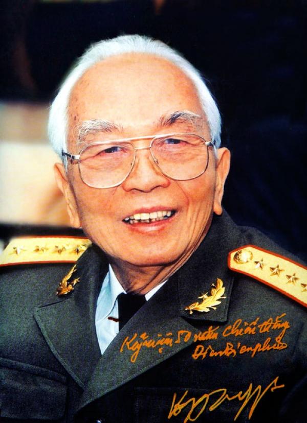 Sống mãi một thiên tài quân sự, một anh hùng dân tộc, một nhân cách cộng sản lớn lao
